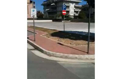 Il parcheggio che ha preso il posto del campo sportivo di via Trieste