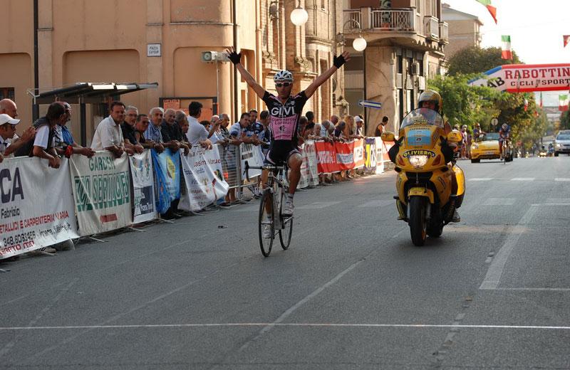 Miglionico vince il Trofeo Val Vibrata