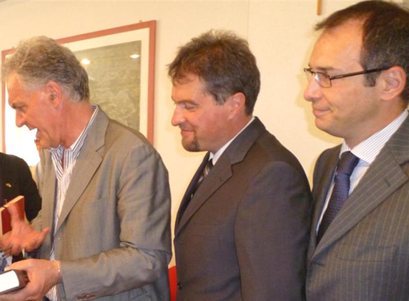 Armando Falcioni tra Piero Celani e Bruno Gabrielli