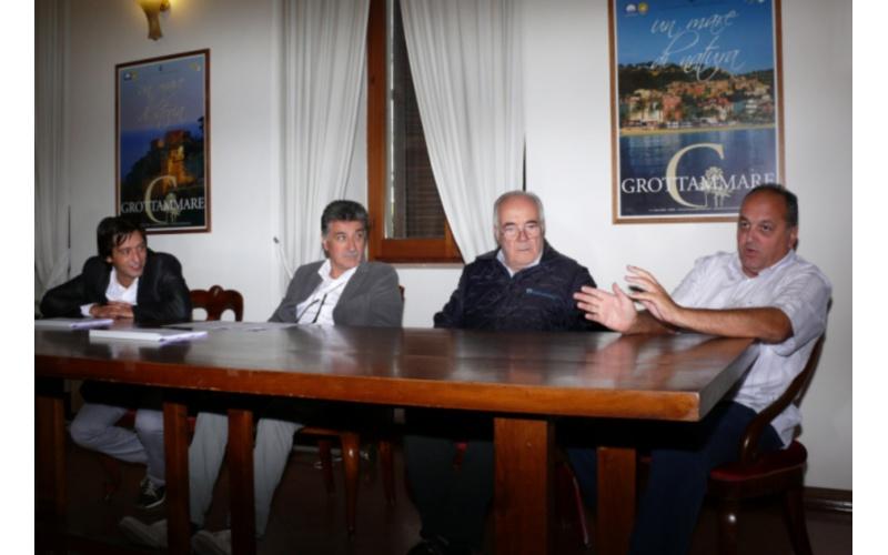 Conferimento di Città a Grottammare. Da sinistra: Enrico Piergallini, Luigi Merli, Mario Petrelli, Michele Rossi