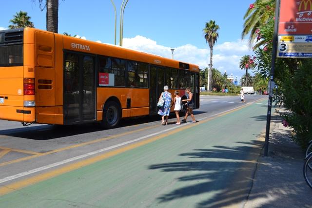 Fermata dei bus lungomare Trieste
