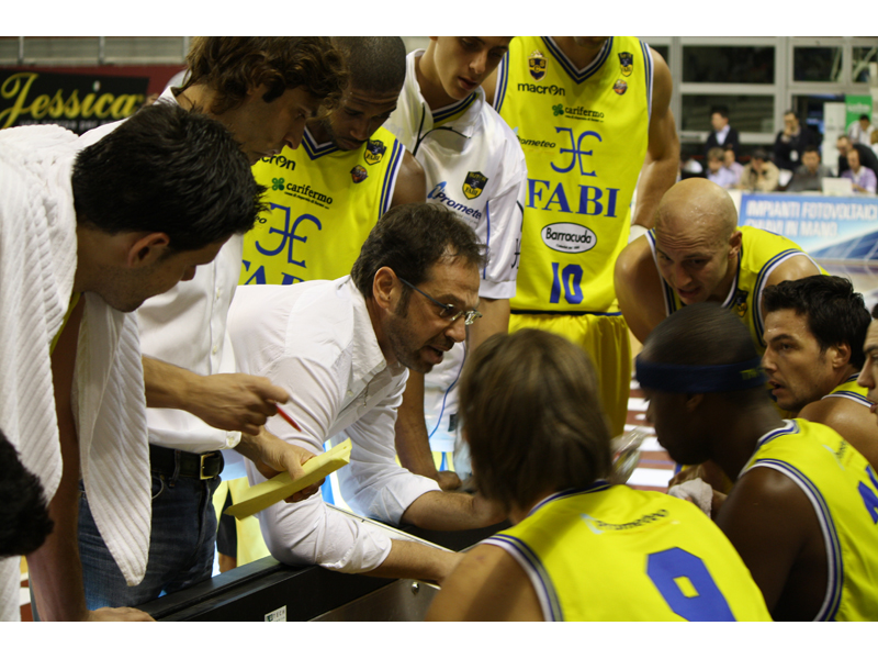 Drucker e i suoi durante un time out
