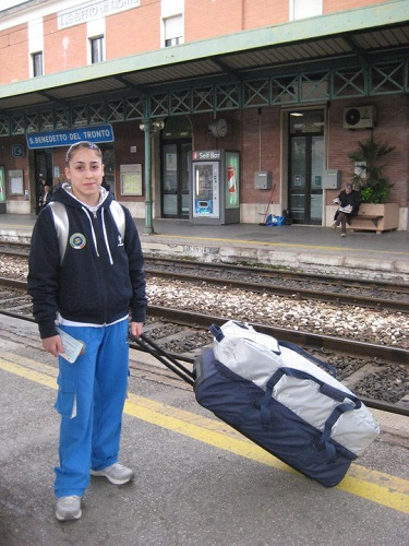 Jessica Mattoni alla stazione di San Benedetto del Tronto