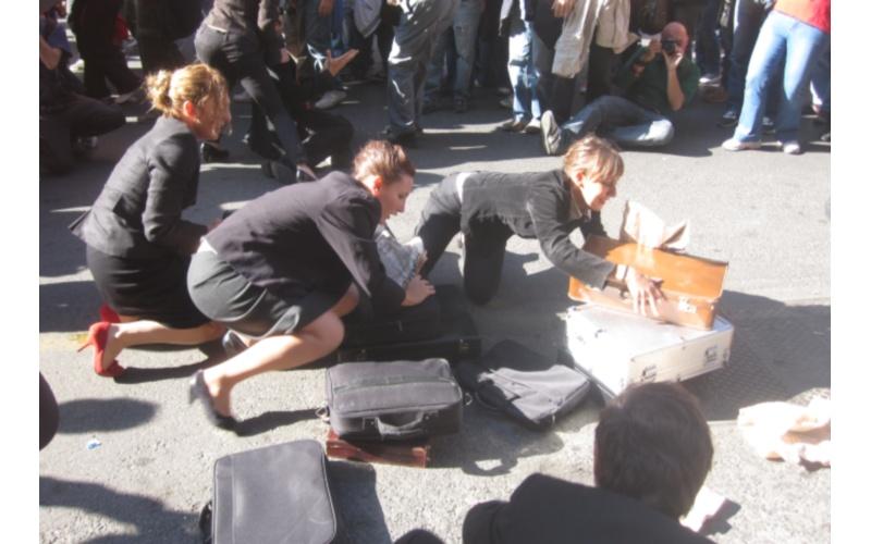 Manifestazione a Roma Lo spettacolo di alcuni attori