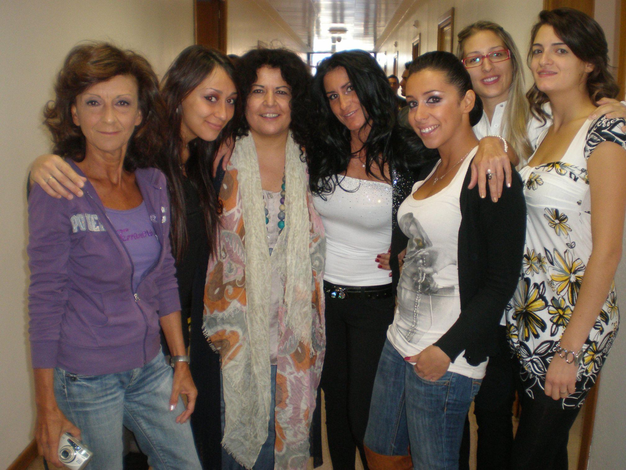 Mezzogiorno in famiglia, le donne della squadra nei camerini rai con l'autrice Francesca Giuliani