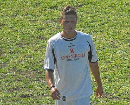 Nella foto tratta dal sito ufficiale del Grottammare calcio il centrocampista  Jari Iachini giunto al 2° centro stagionale