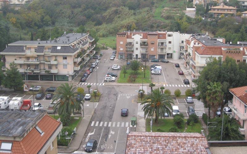 Zona Cerboni con piazza Kolbe dall'alto