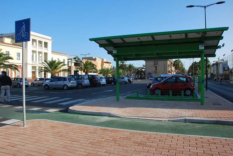 Pensilina fotovoltaica in Piazza del Pescatore
