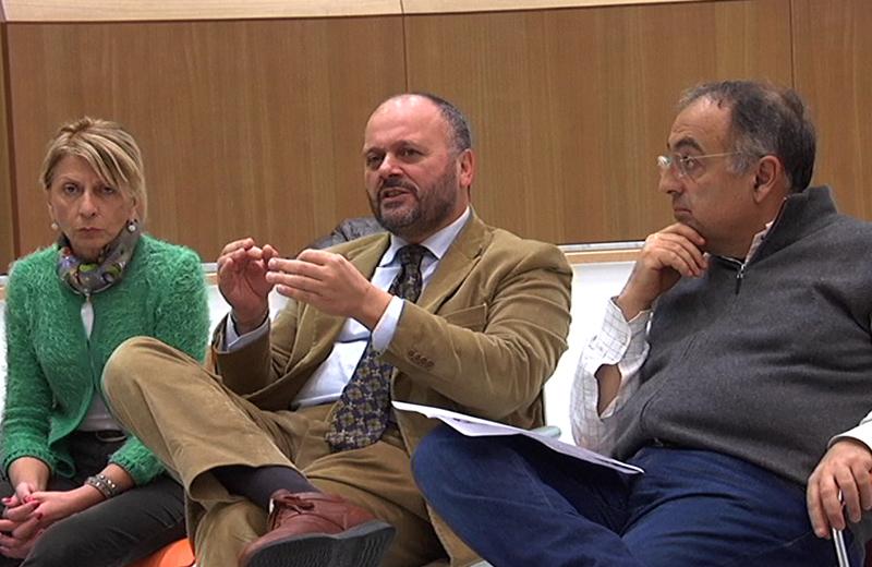 Il sindaco Gaspari tra Loredana Emili e l'onorevole Agostini