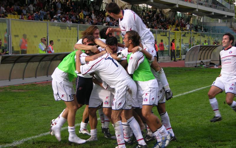 FOGGIA_SAMB_esultanza_abbraccio_ gol_giocatori3 (ph. Danilo Di Salvatore)