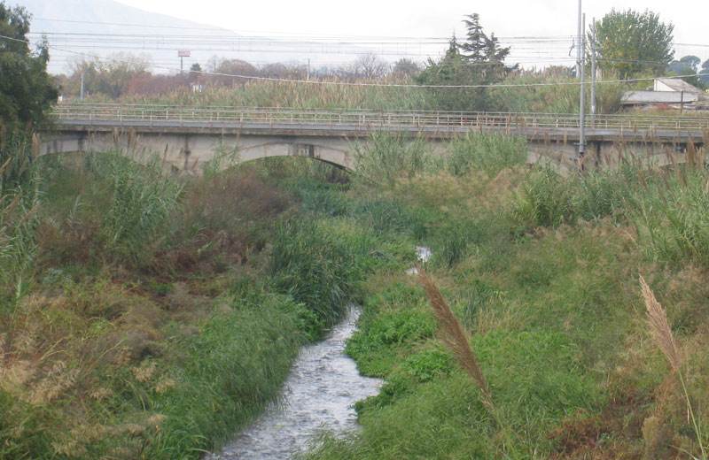 Il Vibrata e il ponte ferroviario