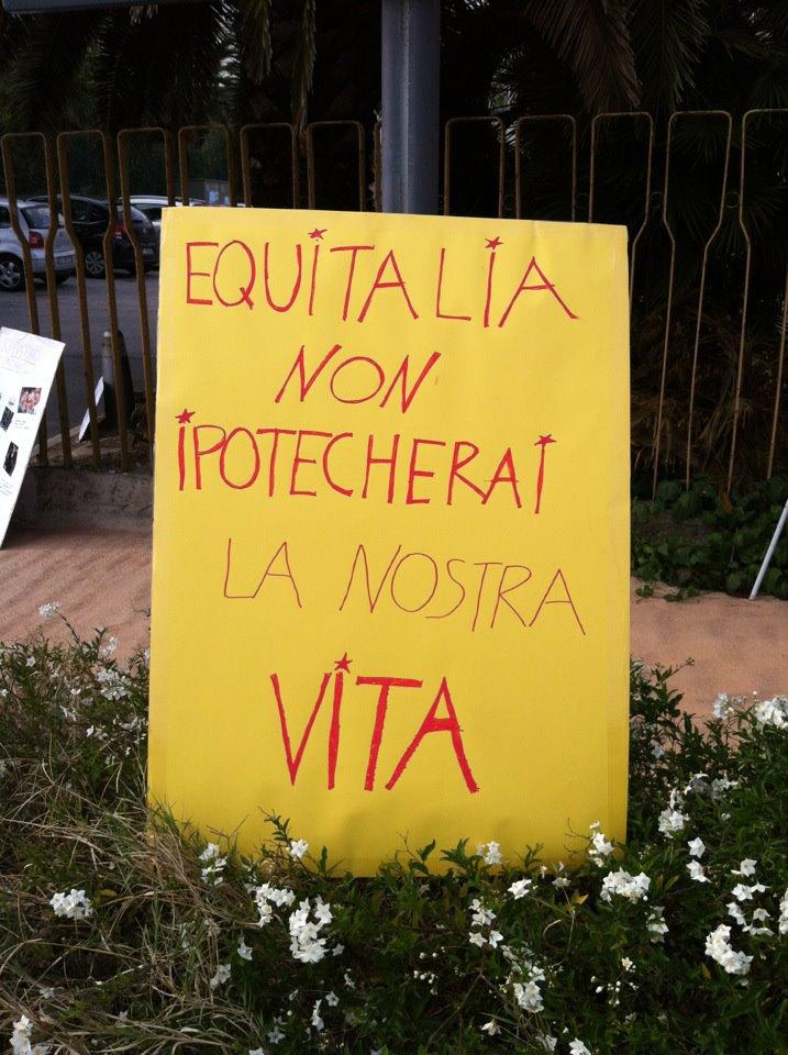 Rifondazione protesta davanti ad Equitalia 2