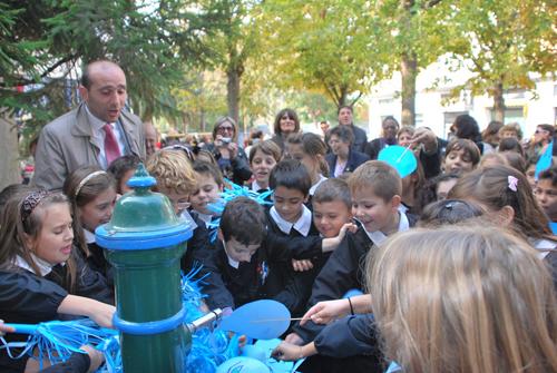 L'assessore Canducci con i bambini dell'istituto Piacentini