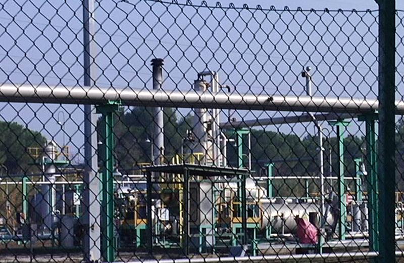 Ex centrale di gas dell'Eni all'Agraria