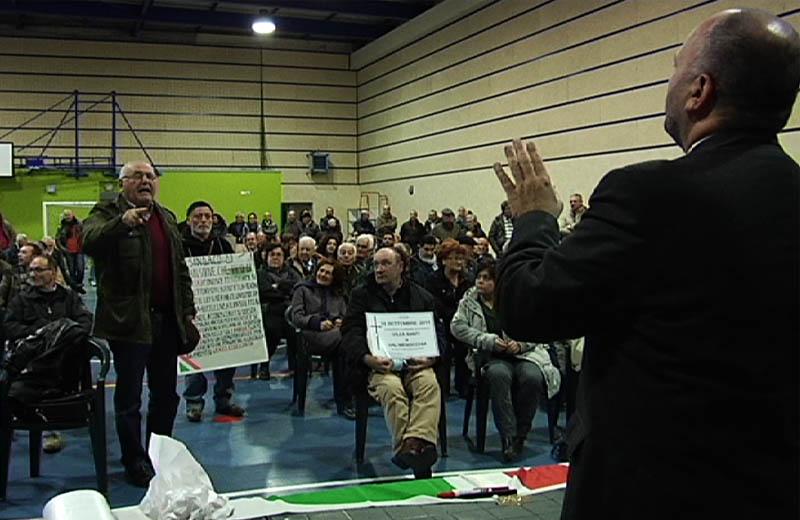 Gas Plus. Incontro all'Agraria Gaspari faccia a faccia con la protesta