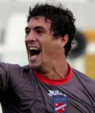 Il bomber argentino del Teramo Gerardo Masini, attuale capocannoniere del Girone F di Serie D con 14 reti.