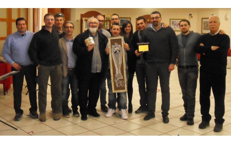 Il direttivo dell'Associazione La Formica con Don Anselmo
