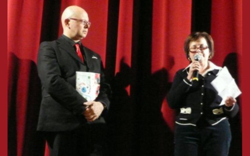 La presidente Ida Piunti de La Coccinella con Angelo Carestia 3-12-2011
