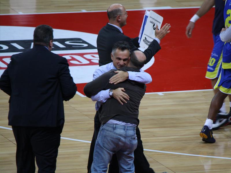 L'esultanza del coach Giorgio Valli