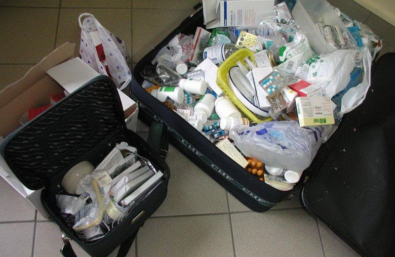 I medicinali sequestrati nello studio medico di Alba Adriatica