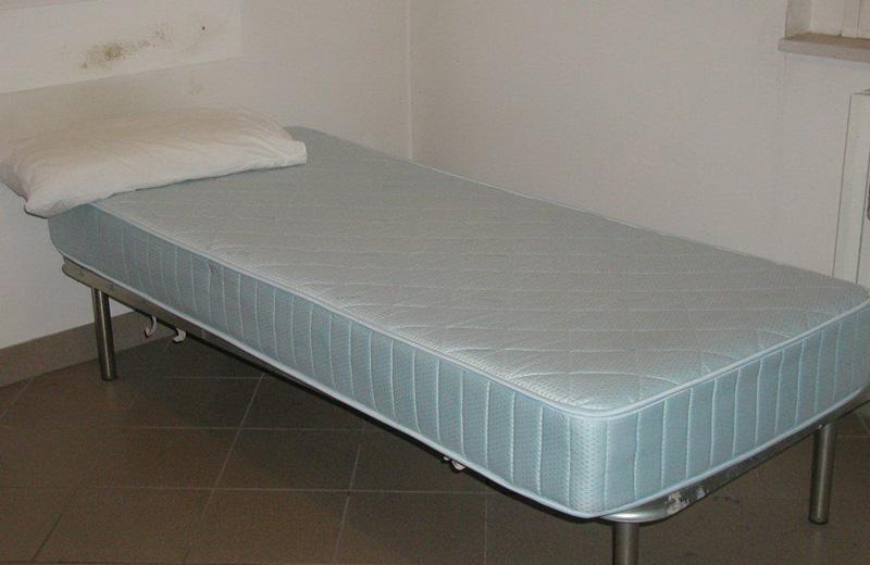 Uno dei lettini su cui venivano curati i pazienti
