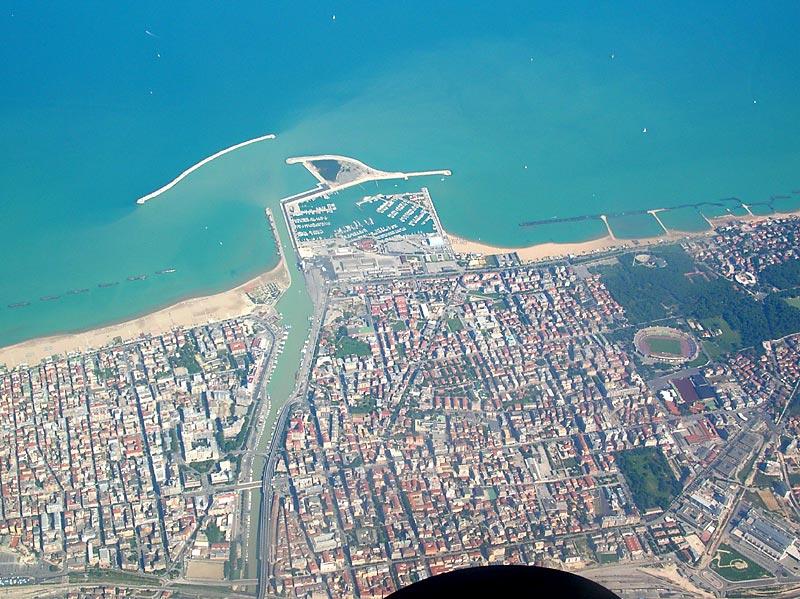 Pescara vista dall'alto (hotevacanze.com)