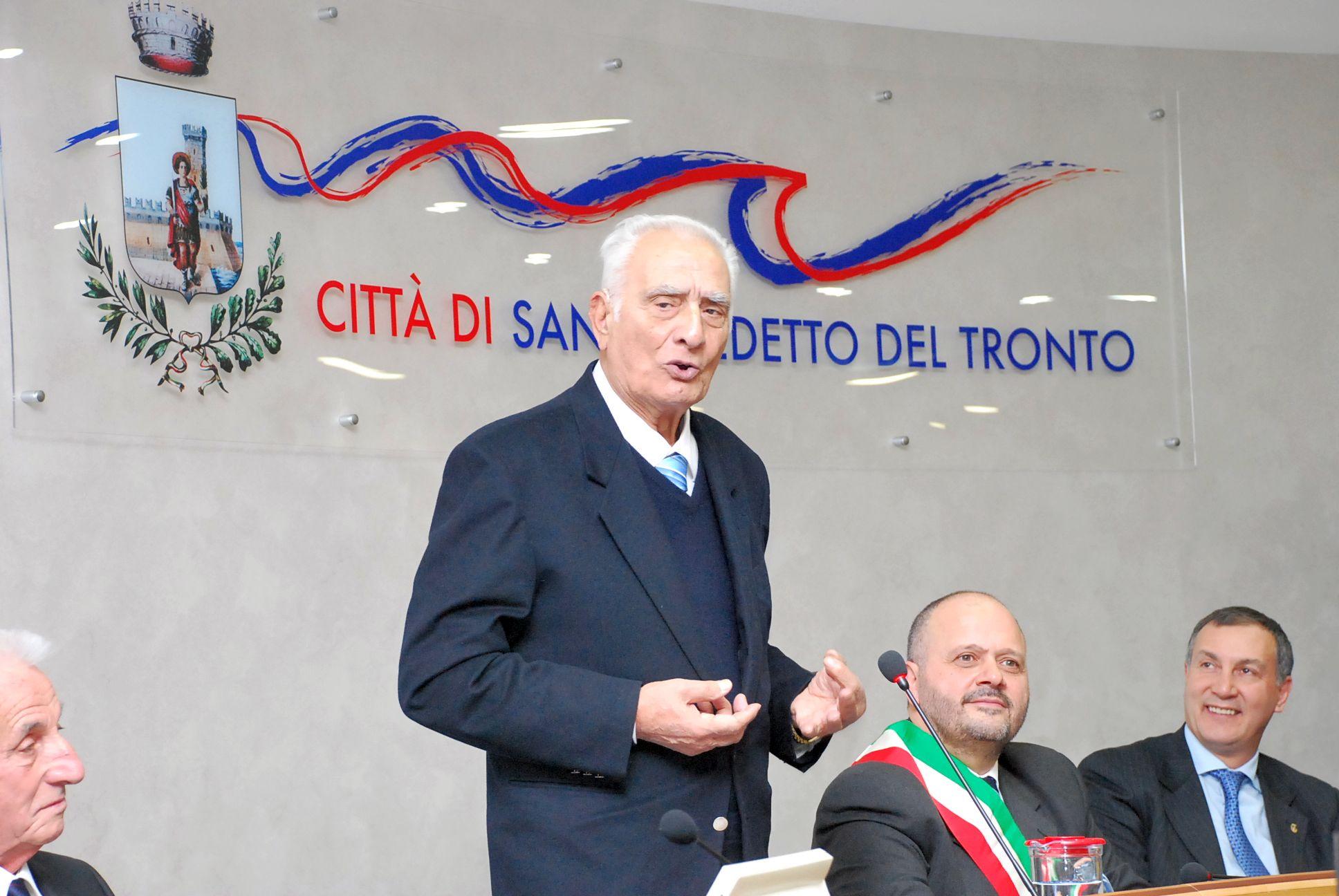 Premio Truentum 2011 a Guastaferro