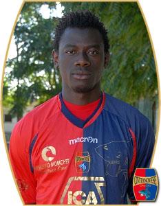 Vakaba Traorè centrocampista ivoriano classe 1992, in questa foto (di Cronache Maceratesi) ritratto con la maglia della Civitanovese sua ultima squadra