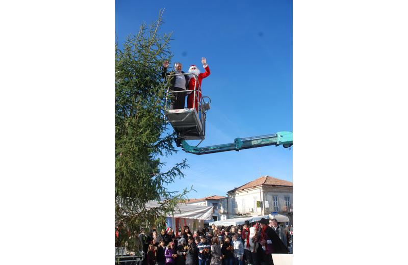 Il sindaco Pompizi e Babbo-Natale