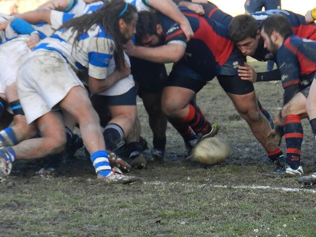 Un momento dell'incontro tra Unione Rugby Seniores e San Marino Rugby
