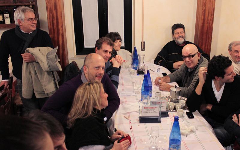 Alcuni dei presenti alla cena di fine anno da Nonna Peppa, 2011