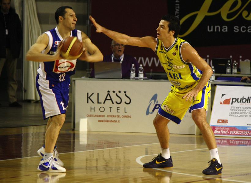 Zoroski in difesa