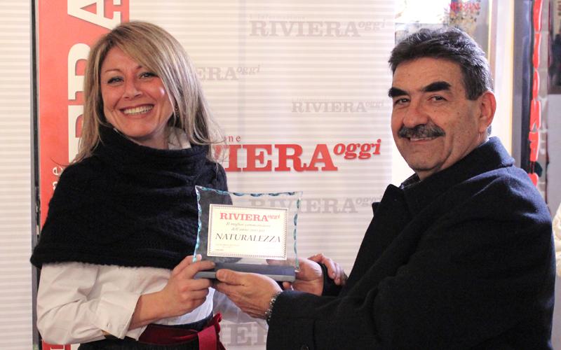 Sabrina Ricci premiata per la Naturalezza dei commenti 2011, da Piernicola Cocchiaro