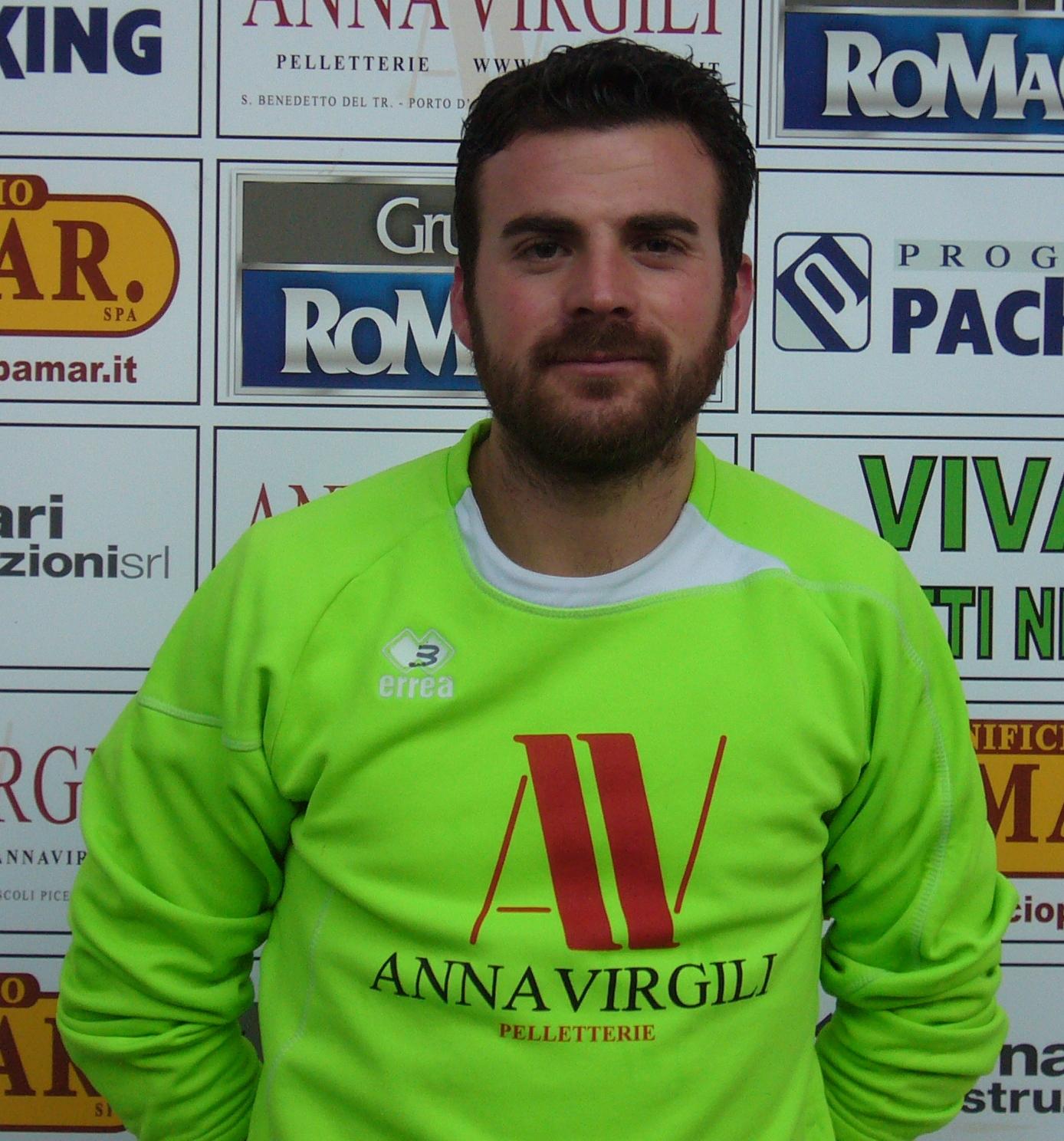 L'attaccante del Grottammare Calcio Manuele Ramadori
