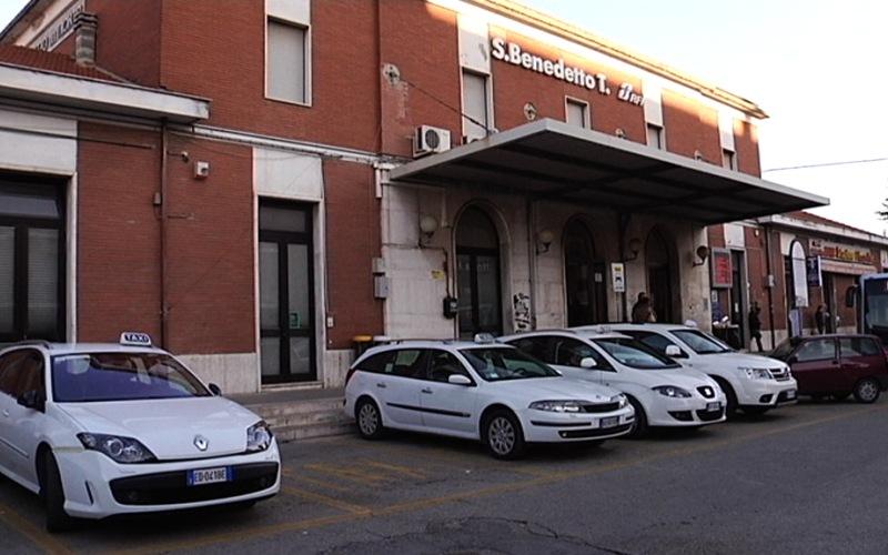 Taxi alla Stazione di San Benedetto