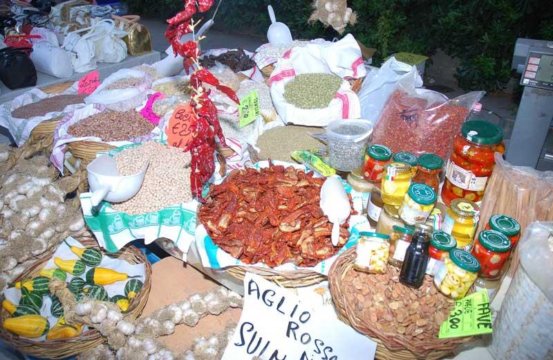 Prodotti tipici al mercatino