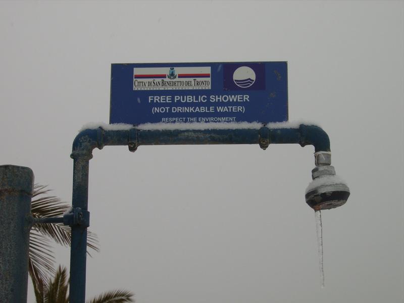 5 febbraio 2012, neve in Riviera. Foto di Danila Straccia
