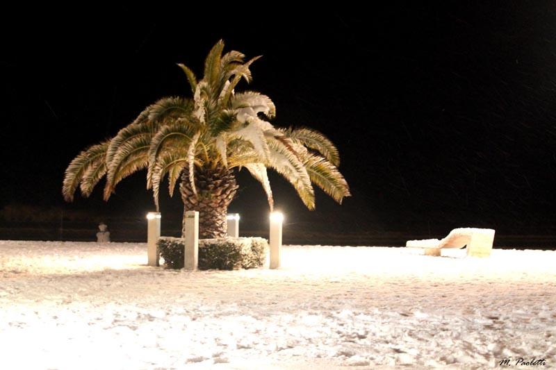3 febbraio, neve a Grottammare, Piazza Kursaal, Maurizio Paoletti
