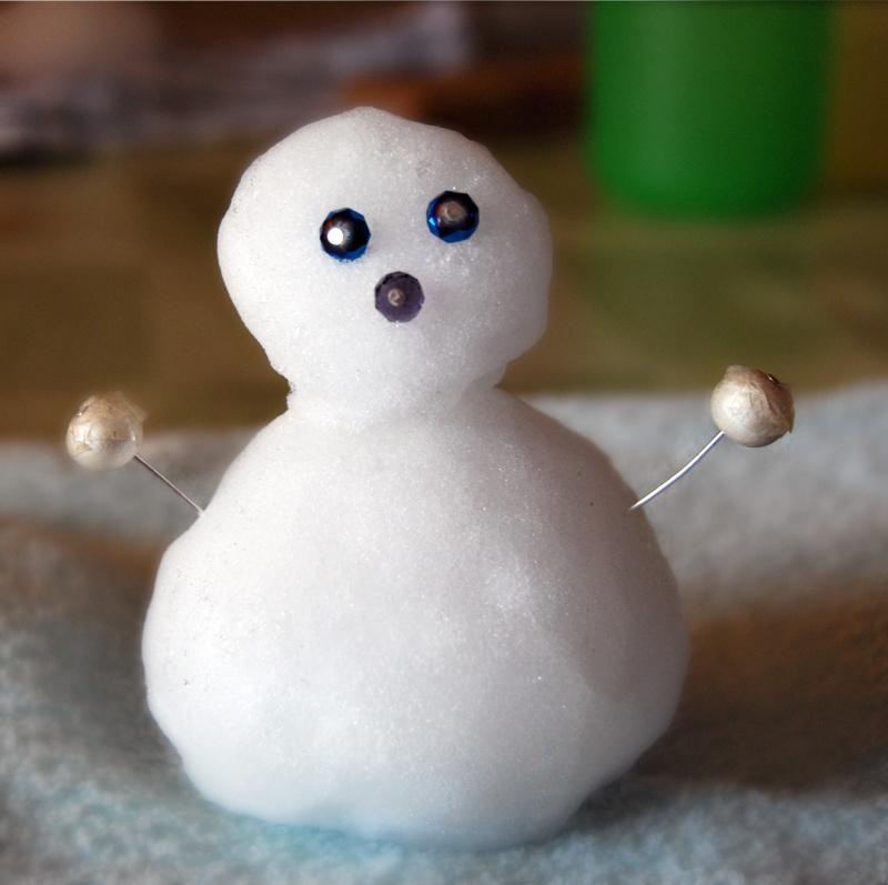 Acquaviva Picena, mini pupazzo di neve, 5 febbraio (Erika Corradetti)