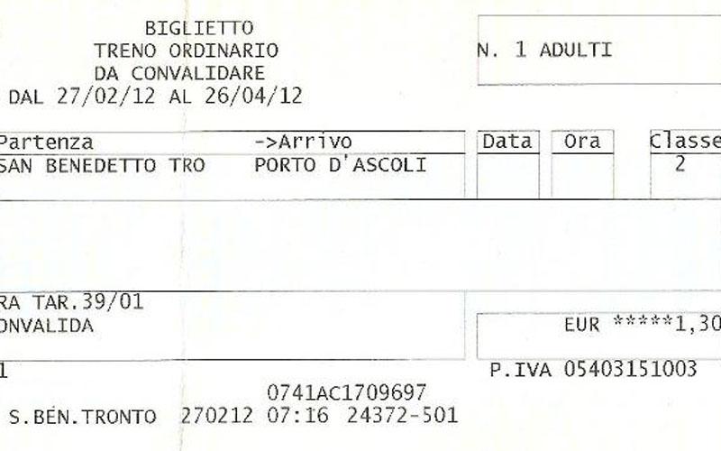 Andrea Marinucci e il biglietto pagato alla stazione per manifestare (dettaglio)