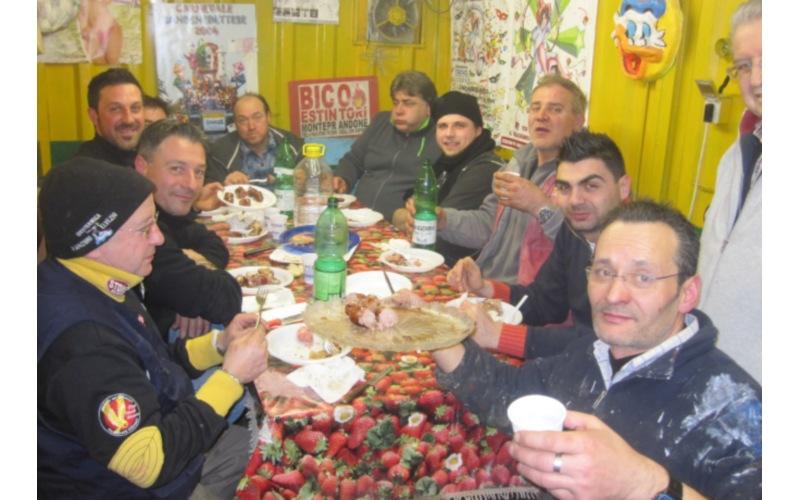 Carri in maschera Carnevale di San Benedetto 2012 (15)