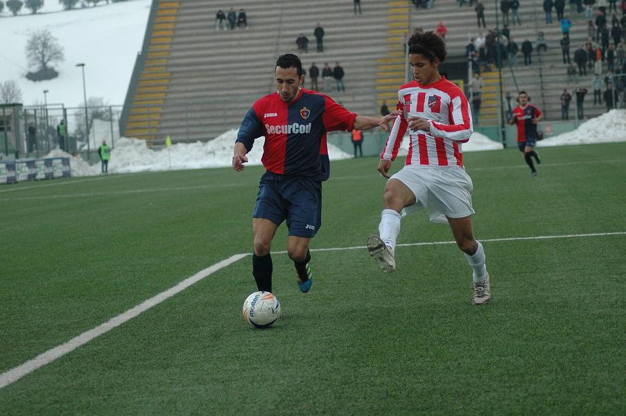 Chovet interviene fallosamente su Puglia, per la Samb è rigore, poi sarà 1-1 con Di Vicino (giammusso)