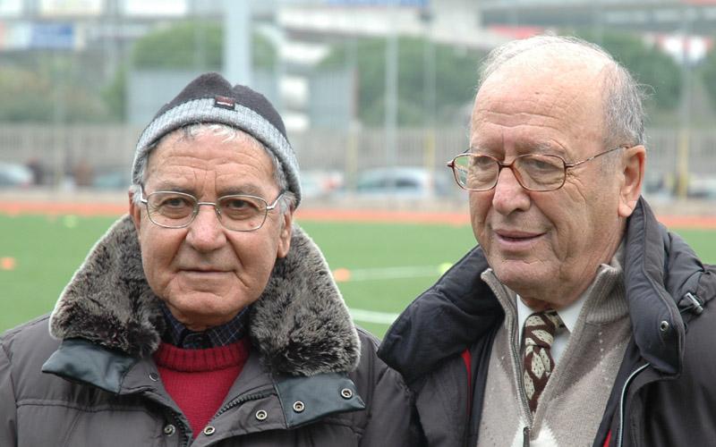 Ettore Grilli qui con Luigi Ursini il giorno dell'inaugurazione del prato sintetico del Campo Europa