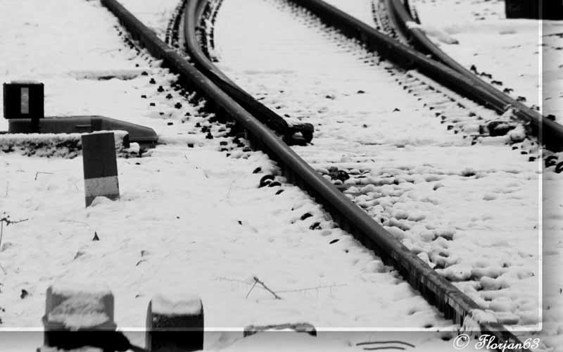 La stazione di San Benedetto innevata (foto Floriano Apolloni)