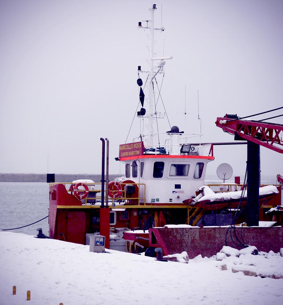 Laura Mecozzi, il porto di San Benedetto con la neve, 5 febbraio