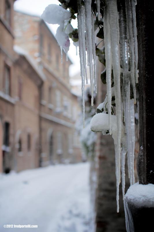 Neve a Montefiore febbraio 2012, Vicoli (Fred Portelli)