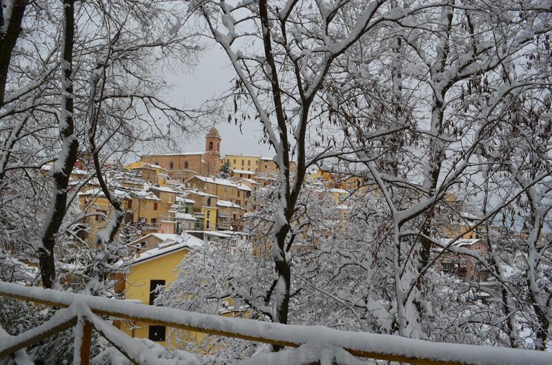 Monsampolo e la neve il 5 febbraio 2012, foto di Tonino Recchioni