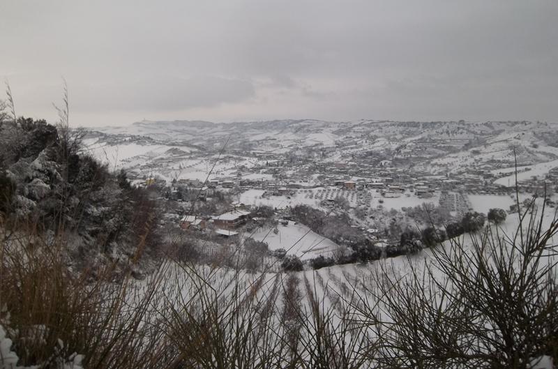 Neve 4 febbraio, San Benedetto vista dal Monte della Croce (sandro)