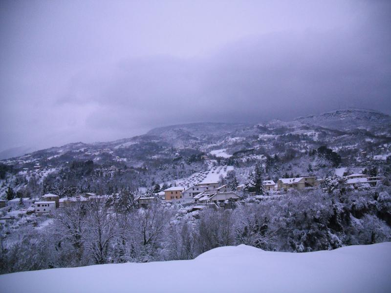 Neve 5 febbraio, Serena Bianchini, passeggiando verso Ascoli 2