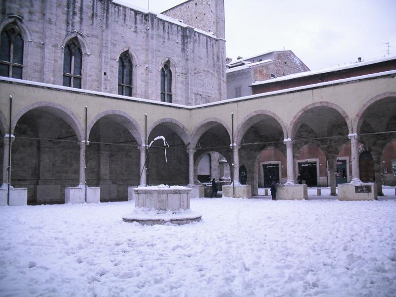 Neve 5 febbraio, Serena Bianchini, passeggiando verso Ascoli, il Chiostro